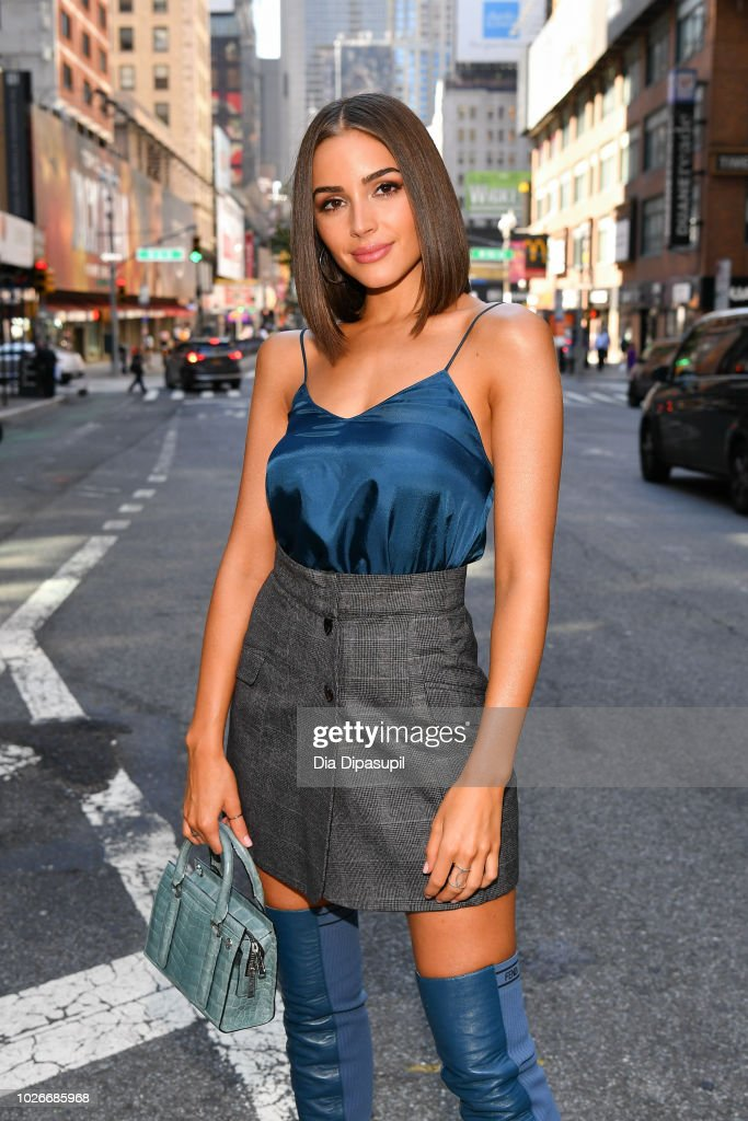 Olivia Culpo visits 'Extra' on September 4, 2018 in New York City.