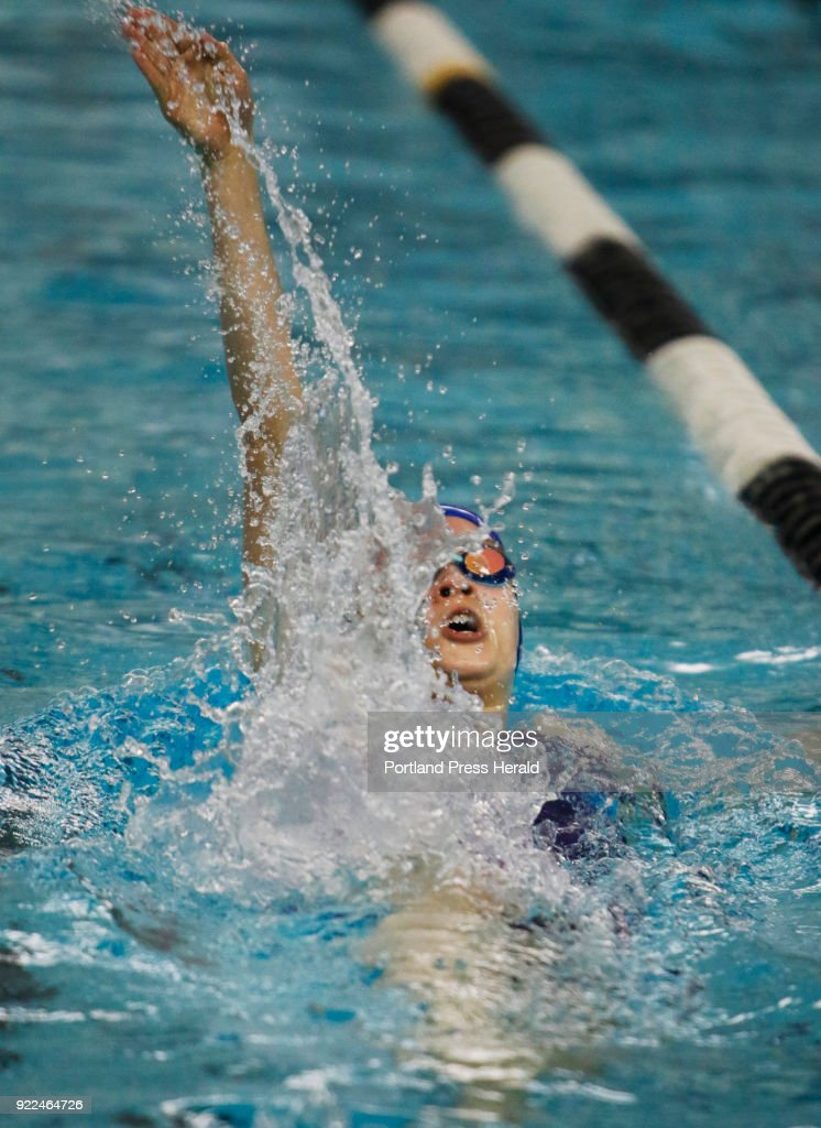 Class B girls swimming championships : Photo d'actualité
