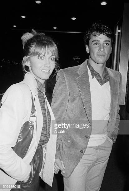 Olivia NewtonJohn with Matt LaTTanzi holding hands circa 1970 New York