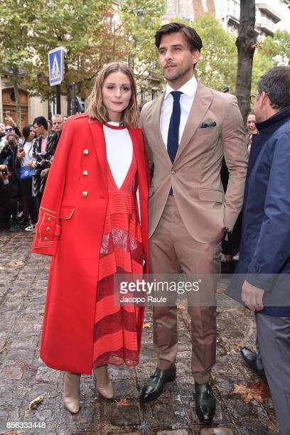 Olivia Palermo and are seen arrivinga at Valentino show as part of the Paris Fashion Week Womenswear Spring/Summer 2018 on October 1, 2017 in Paris,...