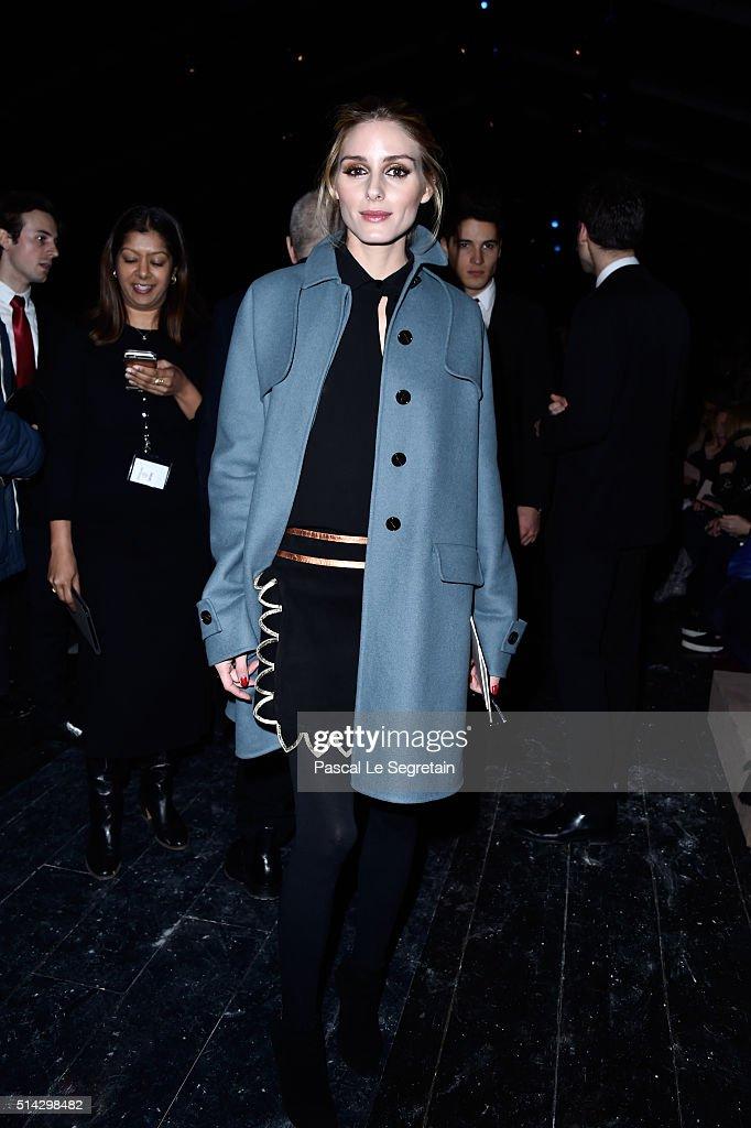 Valentino  : Front Row  - Paris Fashion Week Womenswear Fall/Winter 2016/2017 : News Photo