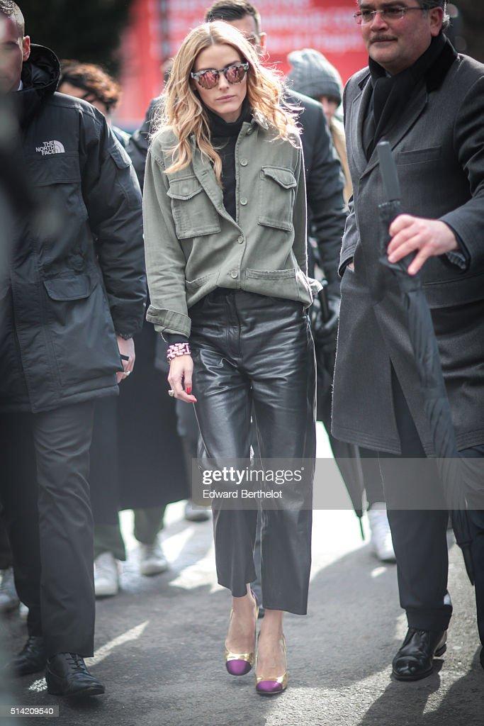 Street Style -Paris Fashion Week : Day Seven Womenswear Fall Winter 2016/2017 : News Photo