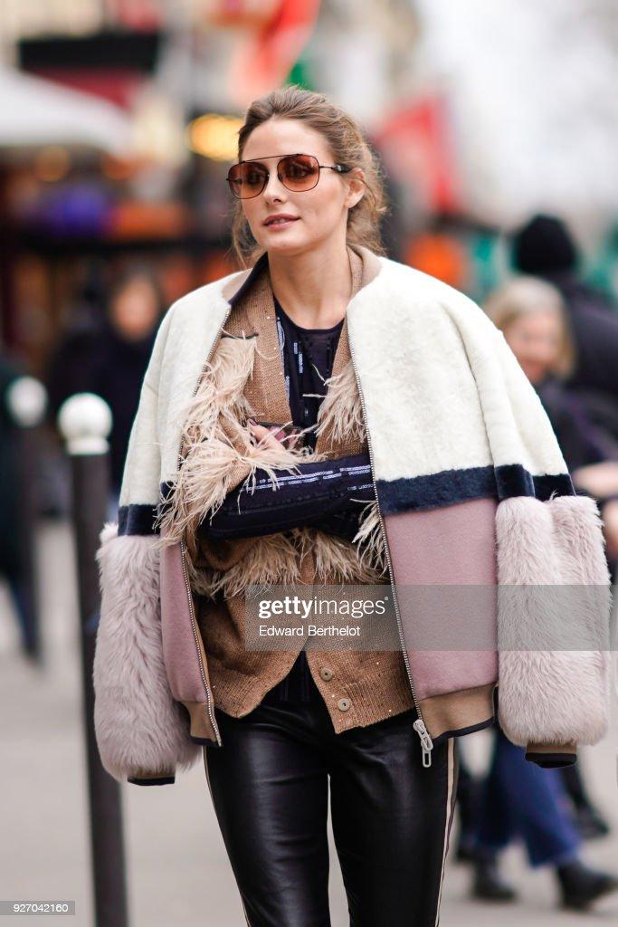 Street Style : Paris Fashion Week Womenswear Fall/Winter 2018/2019 : Day Six : News Photo
