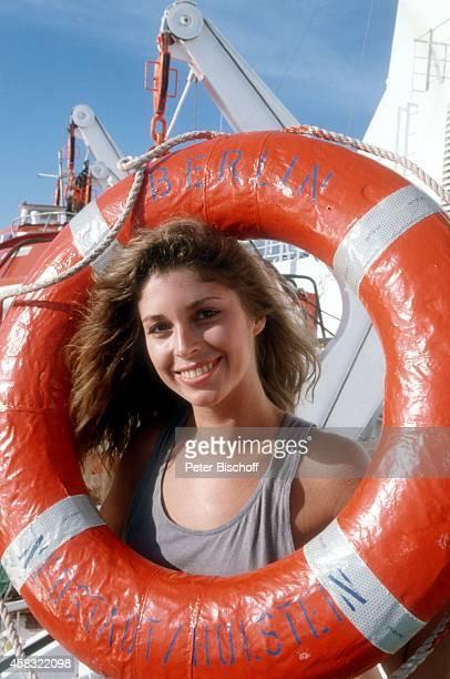 Olivia Pascal am Rande der Dreharbeiten zur ZDFReihe Traumschiff Folge 15 Brasilien auf Kreuzfahrtschiff MS Berlin am in Brasilien