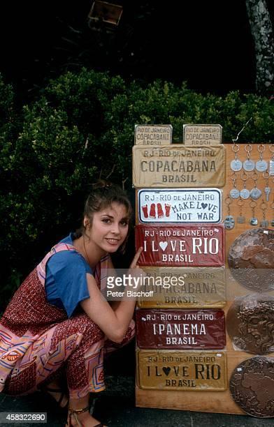 Olivia Pascal am Rande der Dreharbeiten zur ZDFReihe Traumschiff Folge 15 Brasilien am in Rio de Janeiro Brasilien