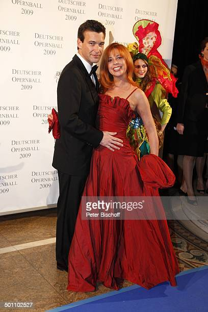 Olivia Pascal Ehemann Peter Kanitz GalaVeranstaltung 27 Deutscher Opernball 2009 Alte Oper Frankfurt Hessen Deutschland Europa Foyer Ball Feier...
