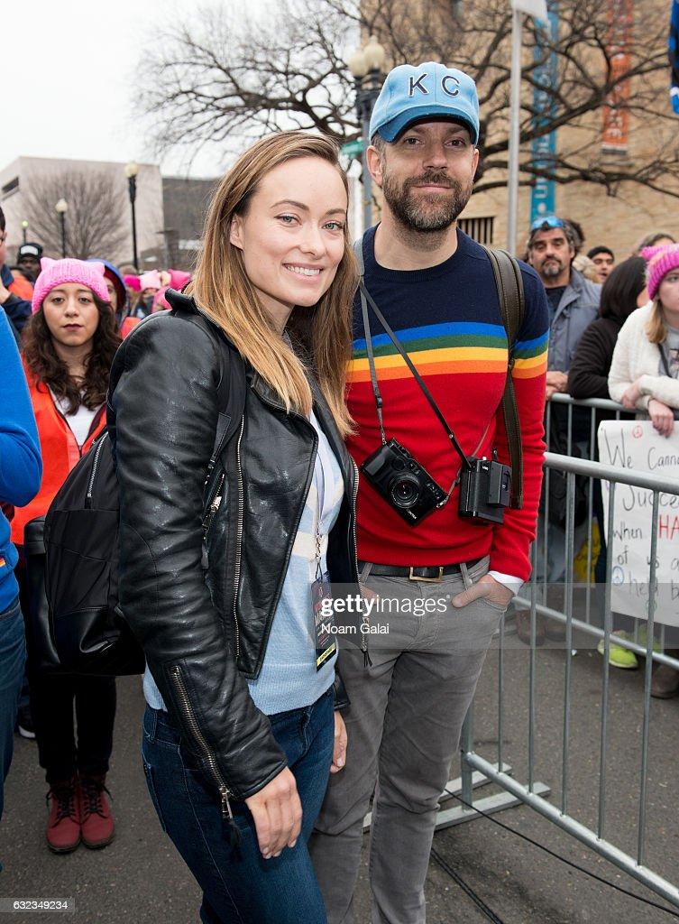 Olivia Wilde and Jason Sudeikis attend the Women's March on Washington on January 21, 2017 in Washington, DC.