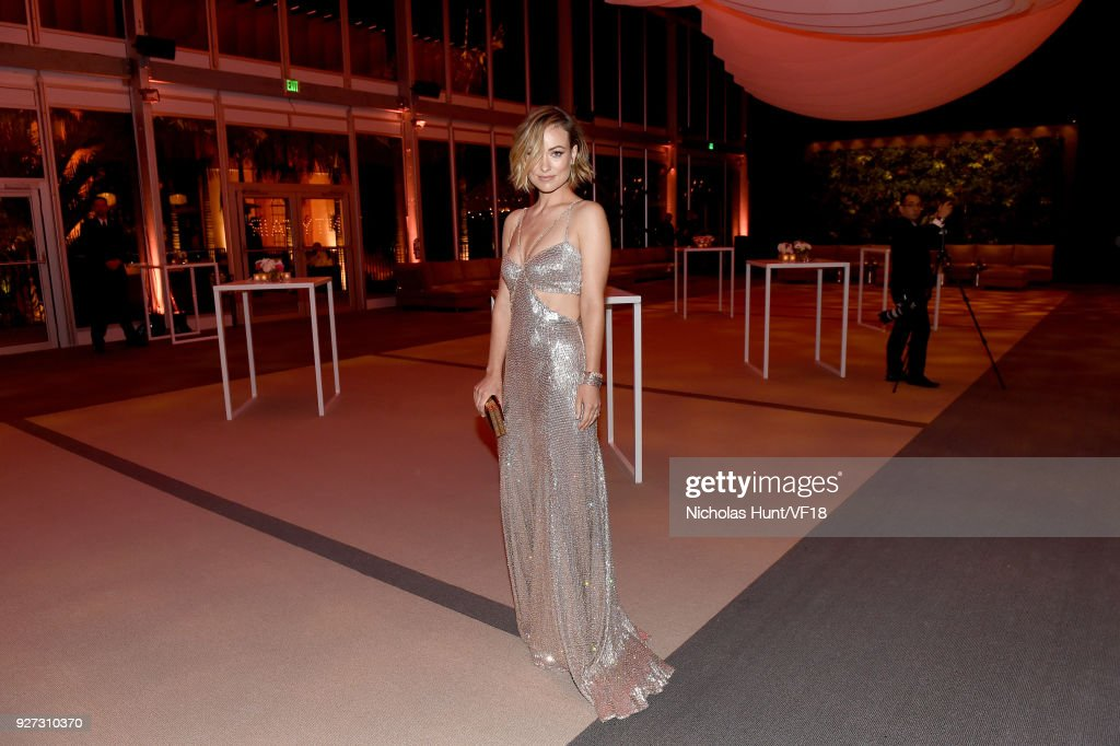 Olivia Wilde attends the 2018 Vanity Fair Oscar Party hosted by Radhika Jones at Wallis Annenberg Center for the Performing Arts on March 4, 2018 in Beverly Hills, California.