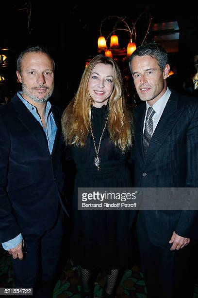 Olivier Bialobos Arabelle Reille Mahdavi and Philippe Mugnier attend the Robert Longo Exhibition at Galerie Thaddeus Ropac on April 15 2016 in Paris...