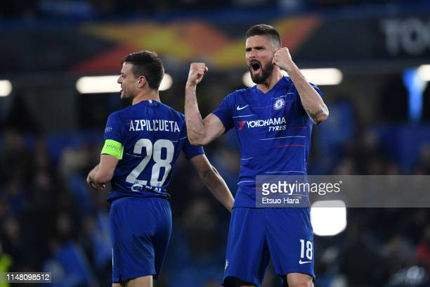 Olivier Giroud and Cesar Azpilicueta of Chelsea celebrate the victory after the UEFA Europa League Semi Final Second Leg match between Chelsea and...