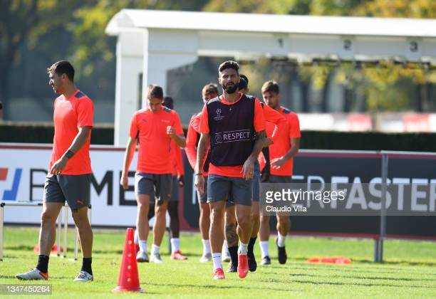 Olivier Giroud attends an AC Milan Training Session ahead of the UEFA Europa League Round of 16 First Leg match against Manchester United at...