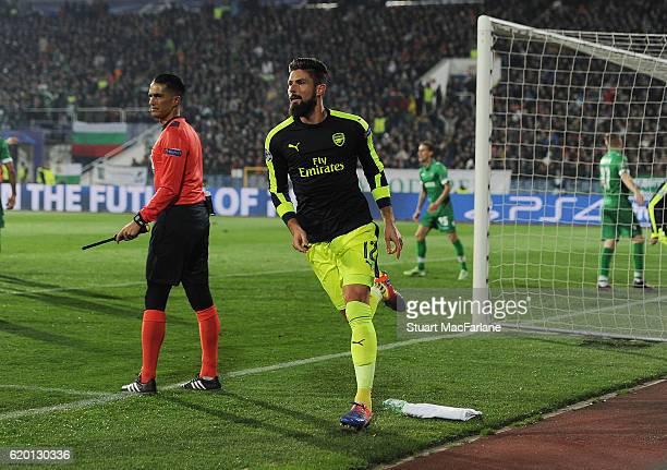 Olivier Giroud celebrates scoring the 2nd Arsenal goal during the UEFA Champions League match between PFC Ludogorets Razgrad and Arsenal FC at Vasil...