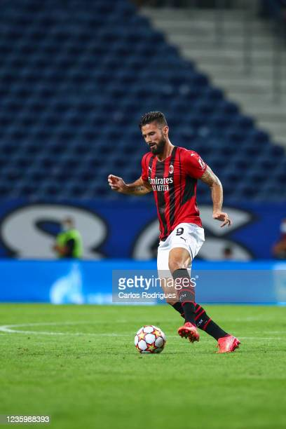 Olivier Giroud of AC Milan during the UEFA Champions League group B match between FC Porto and AC Milan at Estadio do Dragao on October 19, 2021 in...