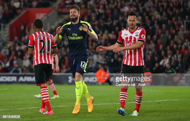 Olivier Giroud of Arsenal celebrates after he scores a goal to make it 02 during the Premier League match between Southampton and Arsenal at St...