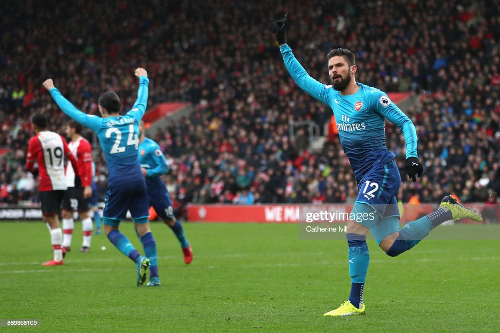Olivier Giroud of Arsenal celebrates scoring the first Arsenal goal during the Premier League match between Southampton and Arsenal at St Mary's Stadium on December 10, 2017 in Southampton, England.