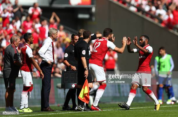 Olivier Giroud of Arsenal comes on for Alexandre Lacazette of Arsenal during the The FA Community Shield final between Chelsea and Arsenal at Wembley...