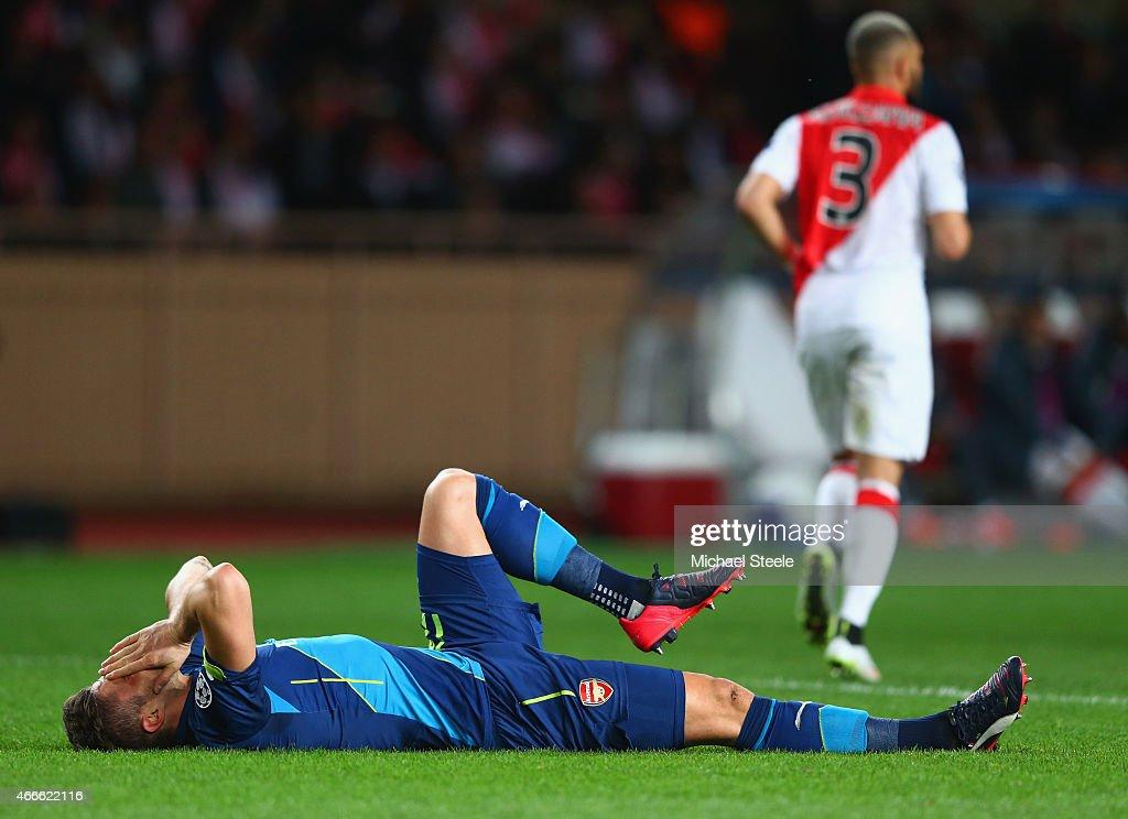 AS Monaco v Arsenal: UEFA Champions League Round of 16 : News Photo