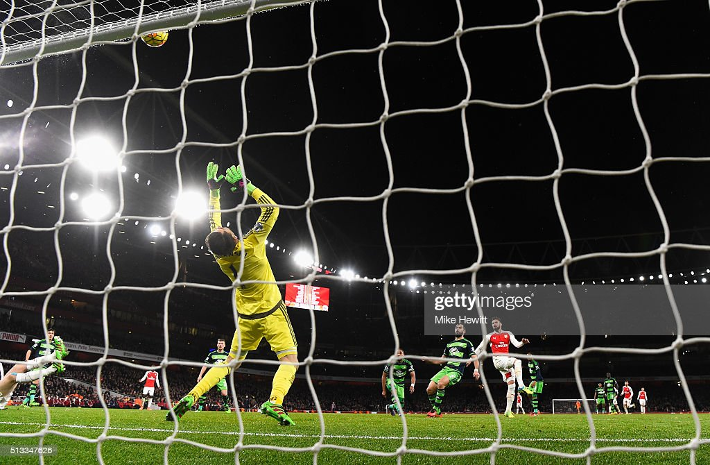 Olivier Giroud of Arsenal sees his shot saved by Lukasz Fabianski of Swansea City during the Barclays Premier League match between Arsenal and Swansea City at the Emirates Stadium on March 2, 2016 in London, England.