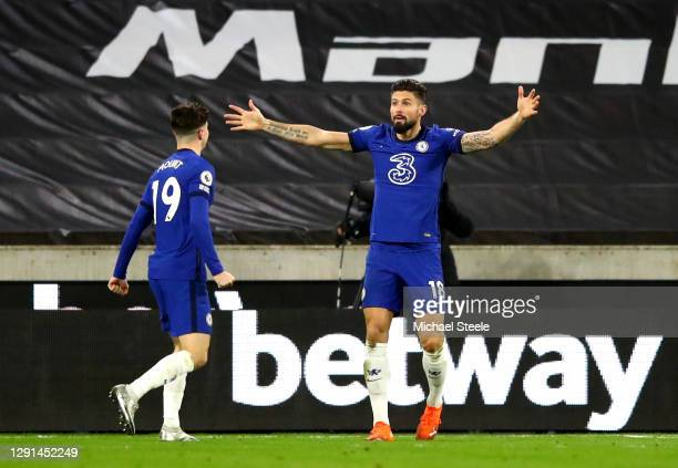 Olivier Giroud of Chelsea appeals to the referee for a gaol which is later awarded during the Premier League match between Wolverhampton Wanderers...