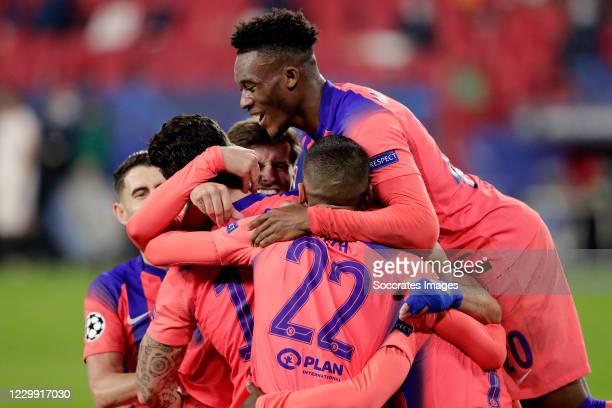 Olivier Giroud of Chelsea celebrates 0-4 with Mason Mount of Chelsea, Hakim Ziyech of Chelsea, Callum Hudson Odoi of Chelsea, Jorginho of Chelsea...