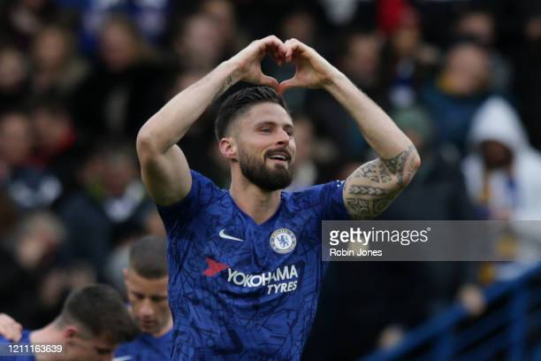 Olivier Giroud of Chelsea celebrates after he scores a goal to make it 40 during the Premier League match between Chelsea FC and Everton FC at...