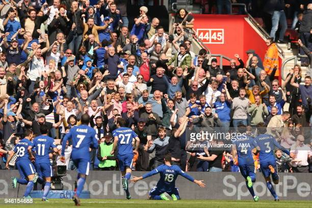 Olivier Giroud of Chelsea celebrates after scoring a goal to make it 3-2 during the Premier League match between Southampton and Chelsea at St Mary's...