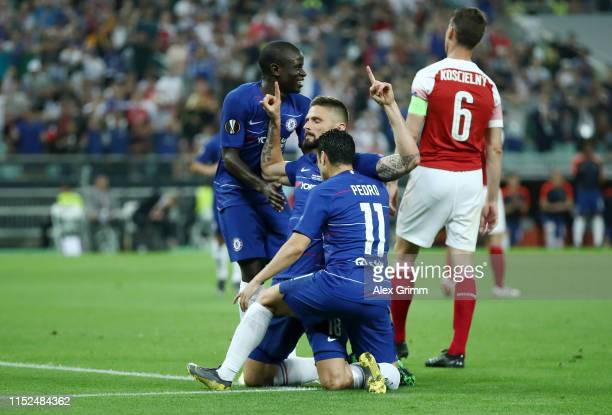 Olivier Giroud of Chelsea celebrates after scoring his team's first goal with his team mates during the UEFA Europa League Final between Chelsea and...