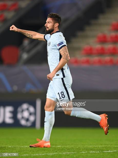 Olivier Giroud of Chelsea celebrates after scoring their sides second goal during the UEFA Champions League Group E stage match between Stade Rennais...