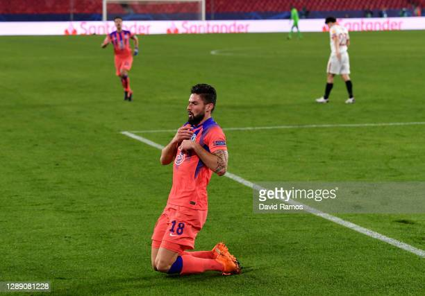 Olivier Giroud of Chelsea celebrates after scoring their sides second goal during the UEFA Champions League Group E stage match between FC Sevilla...