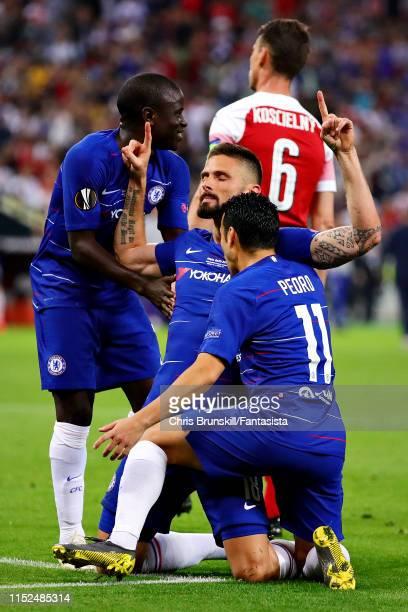 Olivier Giroud of Chelsea celebrates scoring the opening goal during the UEFA Europa League Final between Chelsea and Arsenal at Baku Olimpiya...
