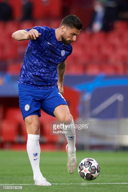 Olivier Giroud of Chelsea during during the warm-up before the UEFA Champions League Quarter Final Second Leg match between Chelsea FC and FC Porto...