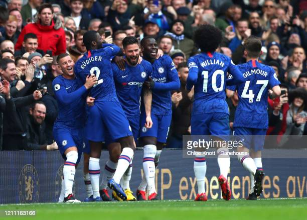 Olivier Giroud of Chelsea FC celebrates scoring his teams fourth goal during the Premier League match between Chelsea FC and Everton FC at Stamford...