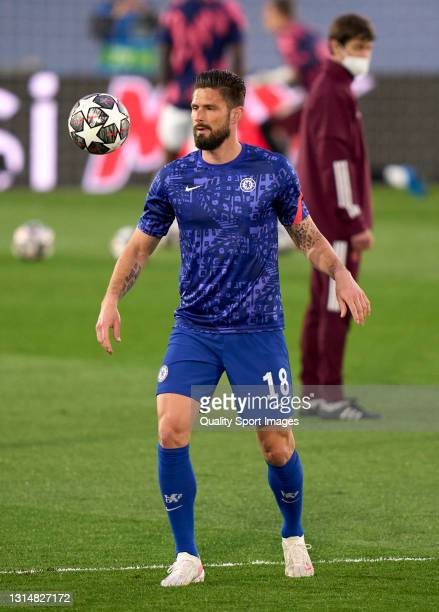 Olivier Giroud of Chelsea FC warms up during the UEFA Champions League Semi Final First Leg match between Real Madrid and Chelsea FC at Estadio...