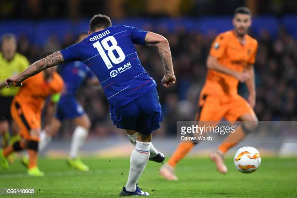 Olivier Giroud of Chelsea scores his team's first goal during the UEFA Europa League Group L match between Chelsea and PAOK at Stamford Bridge on...