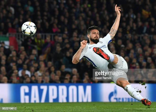 Olivier Giroud of Chelsea shoots during the UEFA Champions League Round of 16 Second Leg match FC Barcelona and Chelsea FC at Camp Nou on March 14...