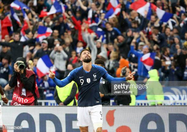 Olivier Giroud of France celebrates his goal during the UEFA Euro 2020 qualifier between France and Turkey at Stade de France on October 14, 2019 in...