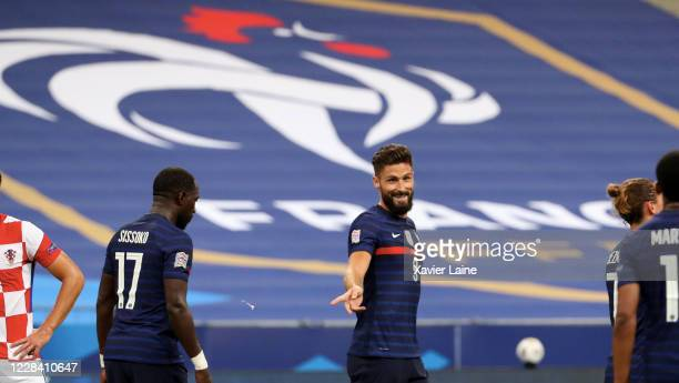 Olivier Giroud of France celebrates his goal with his teammates during the UEFA Nations League group stage match between France and Croatia at Stade...