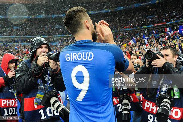 Olivier Giroud of France celebrates victory during the UEFA Euro 2016 Quarter Final between France and Iceland at Stade de France on July 3 2016 in...