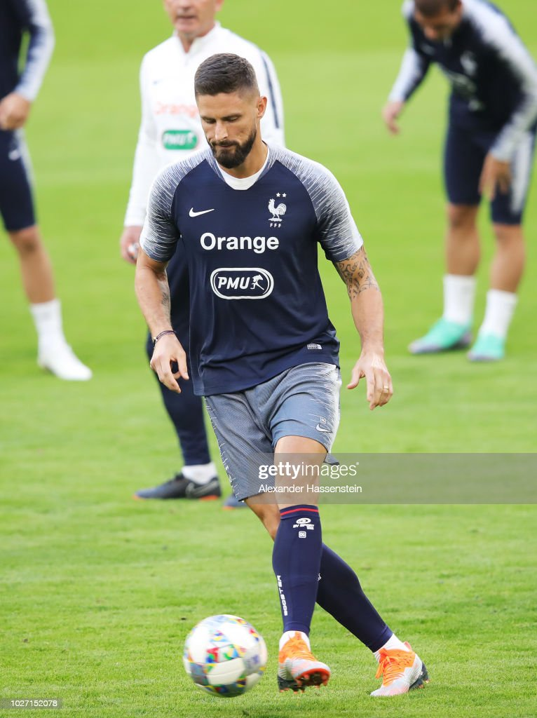 France Training And Press Conference : News Photo