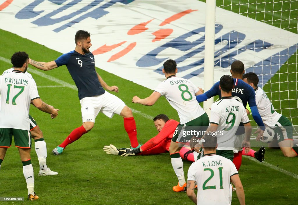 Olivier Giroud of France scores a goal during the international friendly match between France and Republic of Ireland at Stade de France on May 28, 2018 in Saint-Denis near Paris, France.