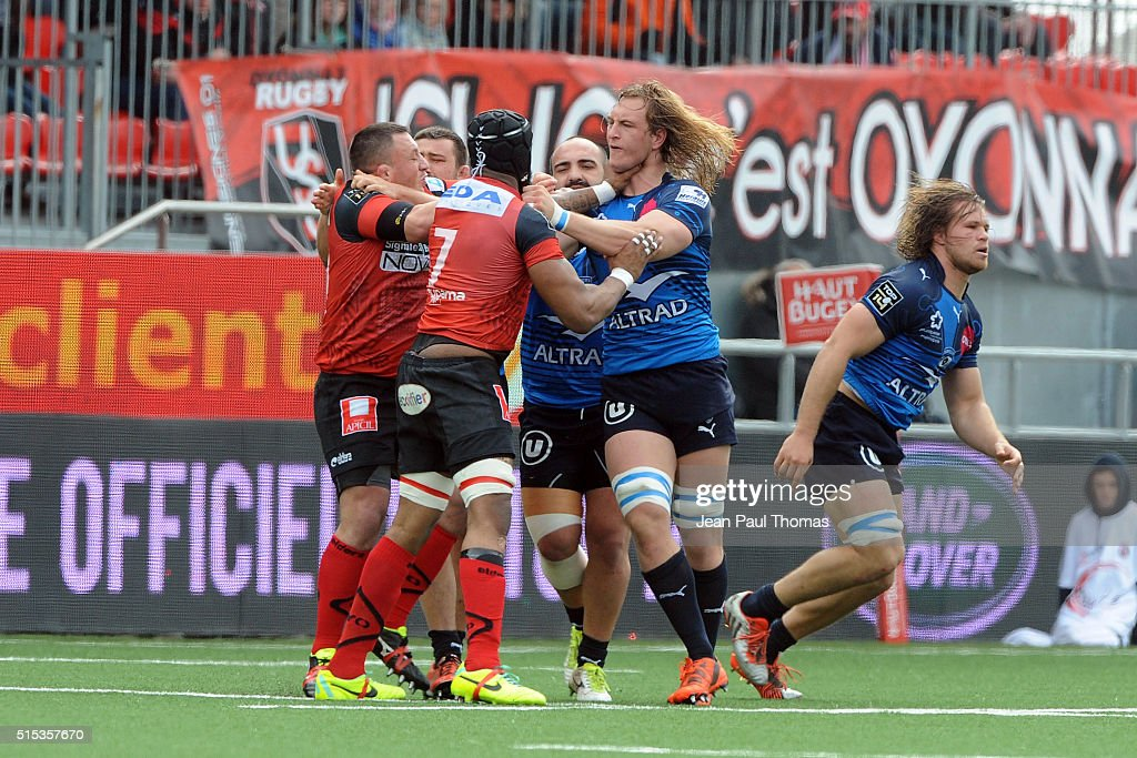 Olivier Missoup of Oyonnax and Jacques Du Plessis of