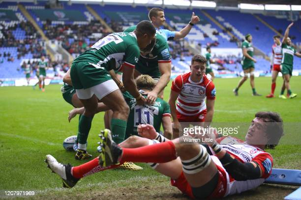 Ollie HassellCollins of London Irish scores his second try during the Gallagher Premiership Rugby match between London Irish and Gloucester Rugby at...