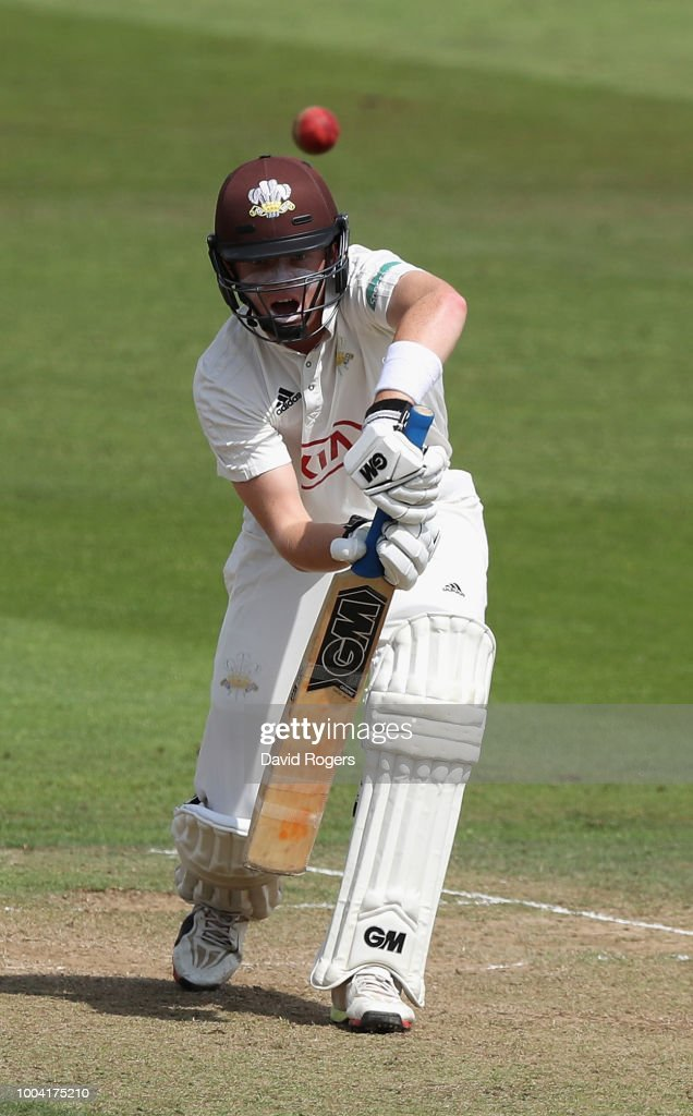 Nottinghamshire v Surrey - Specsavers County Championship: Division One