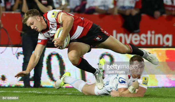 Ollie Thorley of Gloucester breaks with the ball during the Aviva Premiership match between Gloucester Rugby and Exeter Chiefs at Kingsholm Stadium...