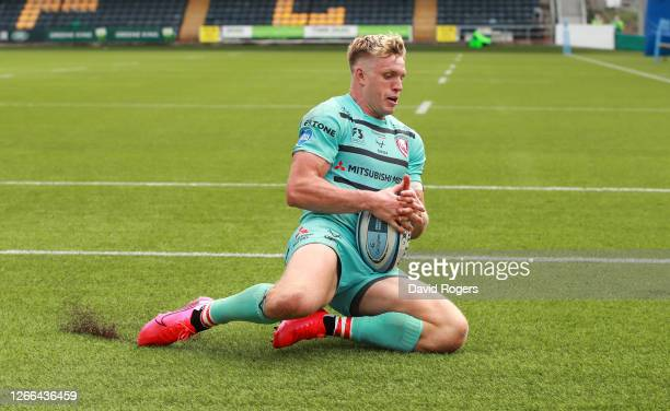 Ollie Thorley of Gloucester Rugby scores his sides third goal during the Gallagher Premiership Rugby match between Worcester Warriors and Gloucester...