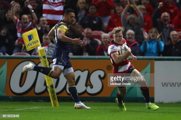Ollie Thorley of Gloucester scores the opening try during the Aviva Premiership match between Gloucester Rugby and Worcester Warriors at Kingsholm...