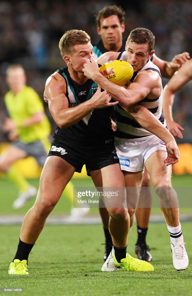 AFL Rd 5 - Port Adelaide v Geelong : News Photo