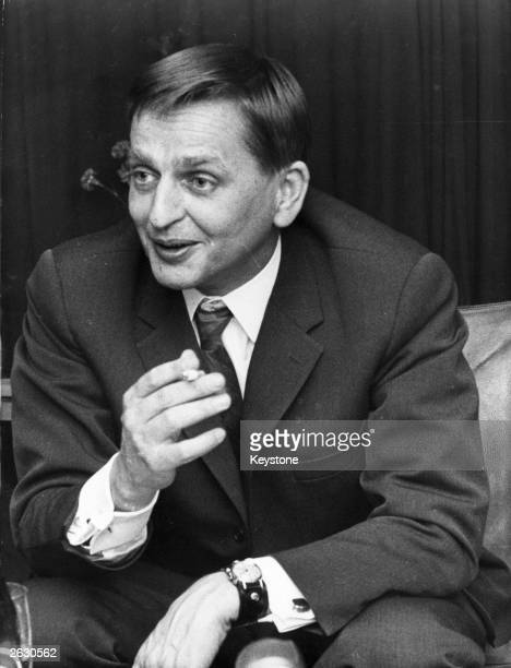 Olof Palme Swedish politician and leader of the Social Democratic Party during a press conference