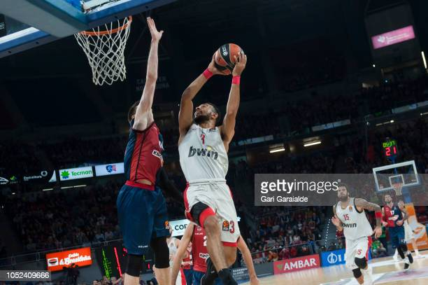 Olympiacos American guard Nigel WilliamsGoss drives to the basket during the Turkish Airlines EuroLeague match between Kirolbet Baskonia Vitoria...