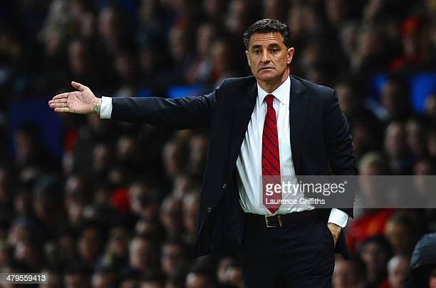 Olympiacos Head Coach Michel gestures during the UEFA Champions League Round of 16 second round match between Manchester United and Olympiacos FC at...